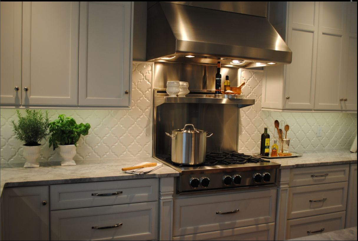 Arabesque Tile - Kitchen Backsplash