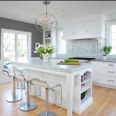 Bianco Carrara Counter with Mosaic Backsplash