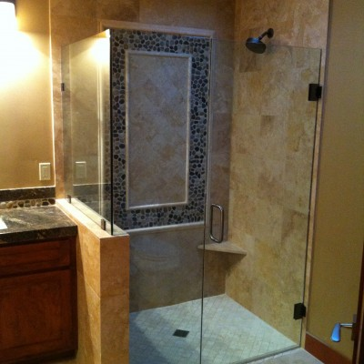 Travertine pebble insert