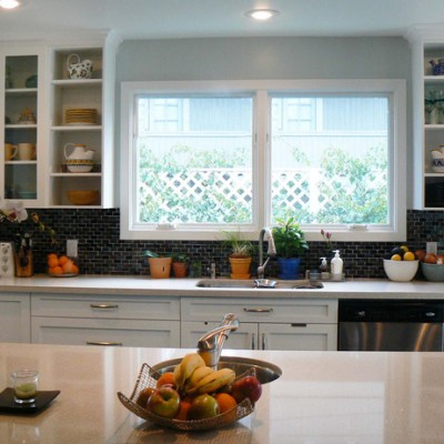 Caeserstone Counter Oceanside Glass Backsplash