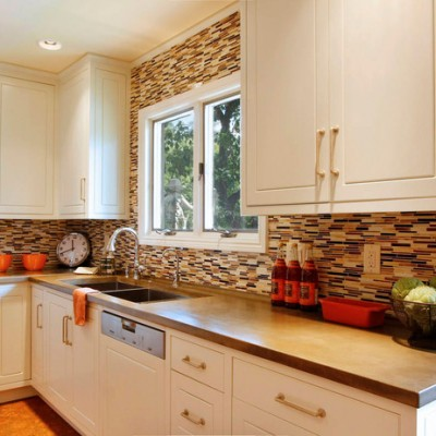 Caeserstone Counters Random Glass Backsplash