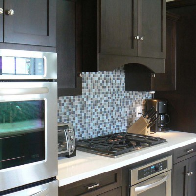 Caeserstone White Glass Backsplash
