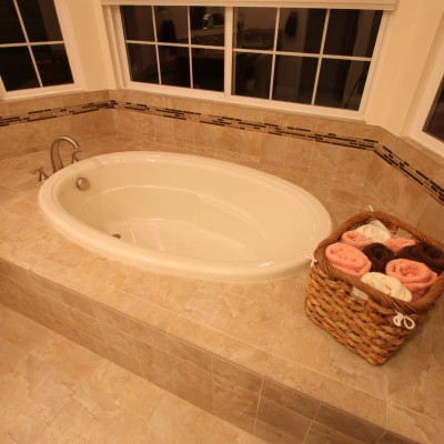 Porcelain Tile Tub