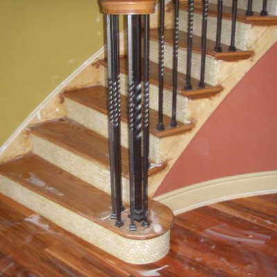 Crema marfil herringbone stairs