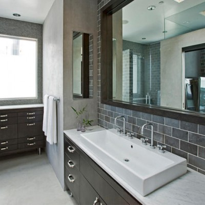 Honed limestone subway bathroom