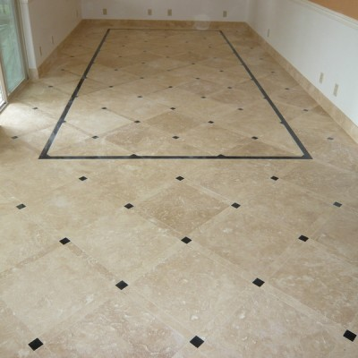 Light travertine with absolute black insert floor