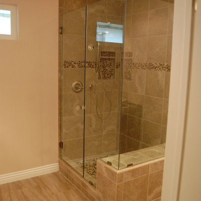 Porcelain tile pebble tile