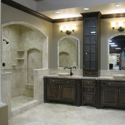 Travertine bathroom with mosaic