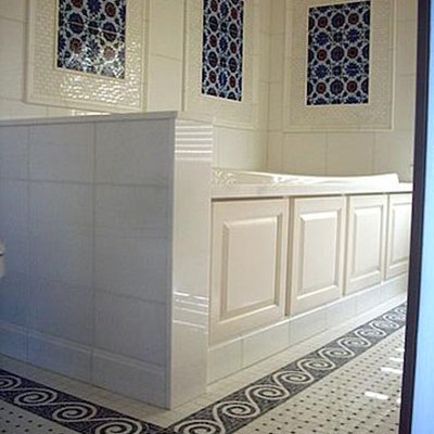 White ceramic mosaic floor bathroom