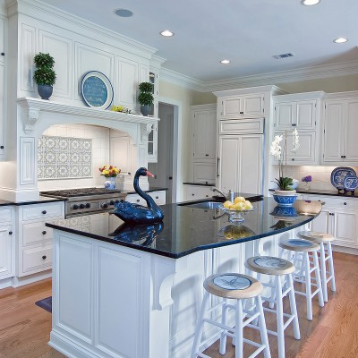 Extravagent kitchen in white and black granite